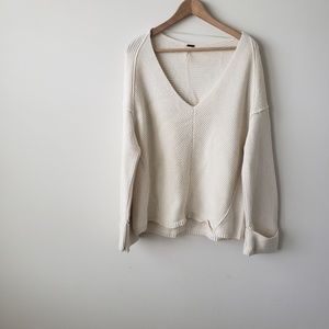 Free people la brea v neck  ivory sweater  size XS